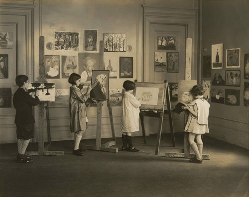 Children studying in the studio of Institute of United Arts in New York. Courtesy of N. Roerich Museum, New York.